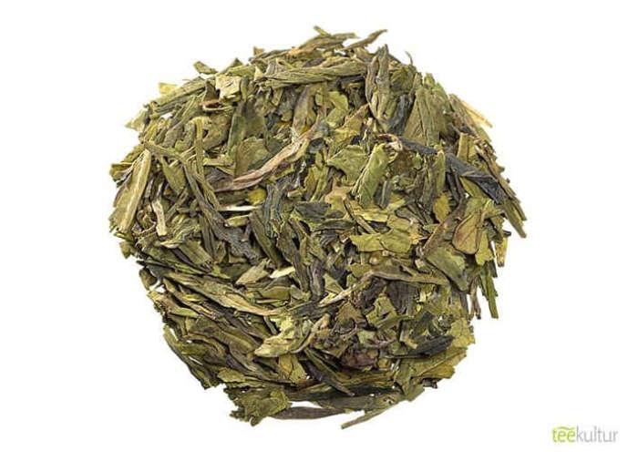 Grüner Tee China Lung Ching lose leicht herb und vollmundig im Geschmack 2674S100